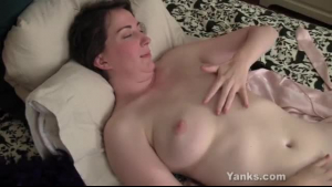 Brunette jill ryan exposing and fingering her snatch